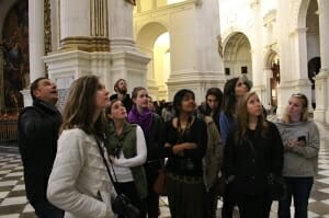 Kearney: el grupo en la catedral de Granada